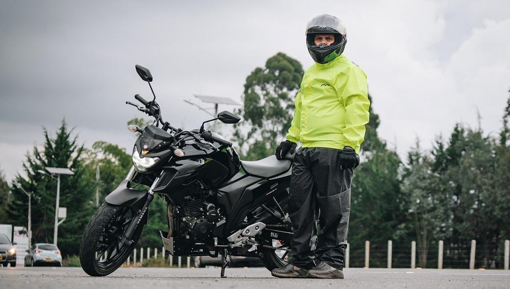 Guía completa sobre impermeables para moto